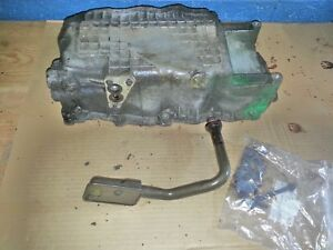 Dodge Pt Cruiser 2 4l Oil Pan With Strainer Used