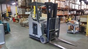 Crown Rc5500 Series electric Stand Up Dock Stocker Forklift Model 2007