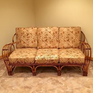 Rattan Sofa Couch Mid Century Modern Vintage Unique Beautiful Design