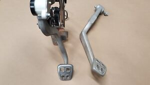 2005 2013 Corvette C6 Manual Transmission Clutch Brake Pedals Oem Gm
