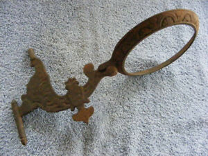 Antique Victorian Cast Iron Wall Mount Lamp Holder Bracket Arm