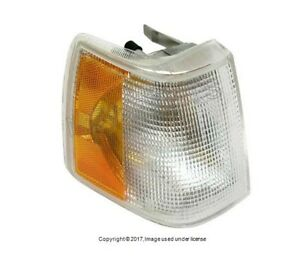 For Volvo 760 940 Passenger Front Right Turn Signal Assembly Aftermarket 3518623