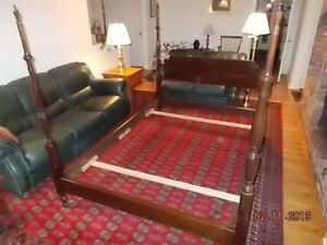 51459 Stickley Queen Size Post Bed Average Good Condition