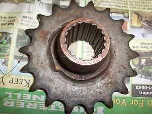 New Idea Corn Picker 324 325 302276 18 Tooth Snapping Roll Drive Sprocket