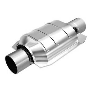 Magnaflow 94136 High flow Catalytic Converter Oval 2 5 In out W O2 Port