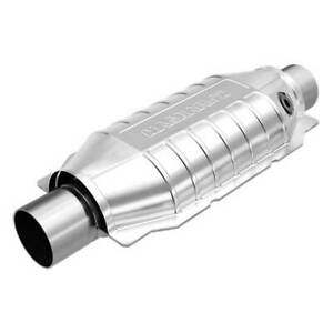 Magnaflow 94036 High flow Catalytic Converter Oval 2 5 In out W O2 Port
