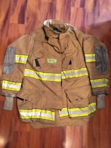 Firefighter Globe Turnout Bunker Coat 38x32 G xtreme Halloween Costume 2005