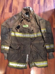 Firefighter Globe Turnout Bunker Coat 46x35 G xtreme Halloween Costume 2005