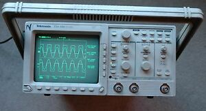 Tektronix Tds350 200mhz Digital Oscilloscope Calibrated Sn B047329