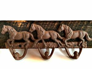 Vintage Cast Iron Horse Hat Hooks Coat Rack Barn Wood Wall Hanging 16 5 Inches