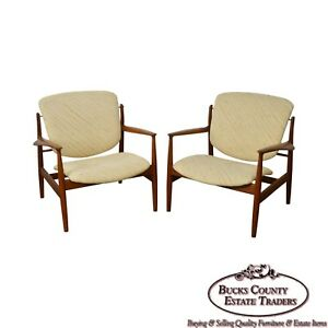 Finn Juhl Fd 136 Mid Century Danish Modern Pair Of Teak Lounge Chairs A