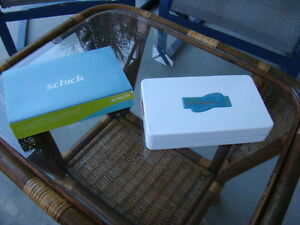 Schick Sensor Size 2 In Amazing Condition Very Low Use Manf Date Nov 2011