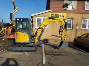 Excavator Gehl Z35 New Angled Blade Hydraulic Thumb