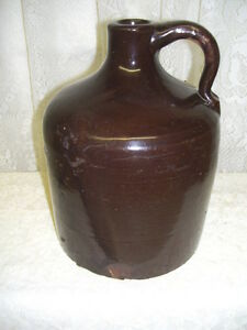 Antique Primitive Half Gallon Brown Stoneware Beehive Jug