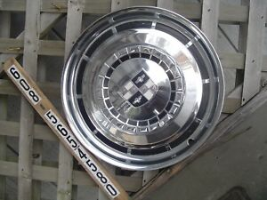 One 1957 58 Studebaker Silver Golden Hawk Commander Starliner Hubcap Wheel Cover