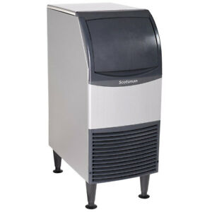 New Scotsman Air Cooled Undercounter Medium Cube Ice Machine 58 Lb Per Day