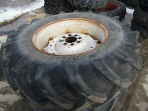 Ford 4000 3 Cylinder Tractor Rear Tires Wheels 16 9x30 no Fluid In Them