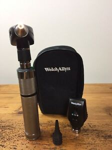 Welch Allyn 3 5v Otoscope 20000a Ophthalmoscope 11720 Diagnostic Set