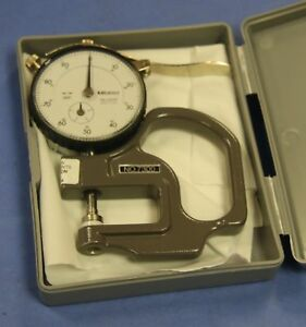 1 Used Mitutoyo 7300 Dial Thickness Gage Graduations 0 001 Range 0 0 4