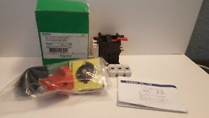 New In Box Schneider Electric Emergency Stop Switch Vcf01