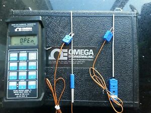 Omega Cl25 Handheld Calibrator Thermometer