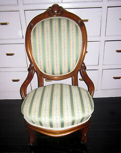 Beautiful Victorian Upholstered Walnut Slipper Chair Great Shape Circa 1880