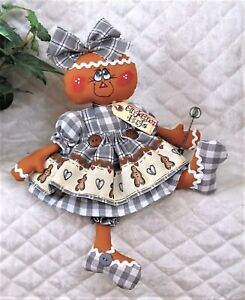 Primitive Raggedy Gray Homespun 14 Gingerbread Hugs Wire Whisk Ornie Apron