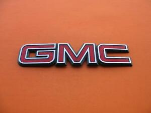02 03 04 Gmc Envoy Rear Trunk Lid Tail Gate Emblem Logo Badge Sign Symbol Used 2