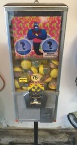 Northwestern 25 2 Capsules Vending Machine 75 Cent Mech W stand And Toys