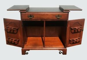 Henkel Harris Mahogany Chippendale Antique Styled Flip Top Bar