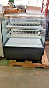 Federal Curved Glass Non refrigerated Bakery Case Model Cgd3642