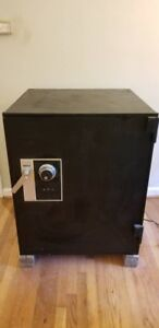 Large Security Safe Burglar Safe Diebold Pickup Only