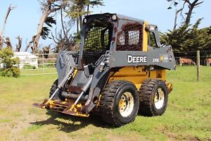2014 John Deere 318e Skid Steer Loader Excellent Condition Original Owner
