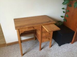 Antique Maple Children S Desk Great Condition