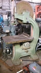 30 In Heavy Duty Centauro 800 St Wood Band Saw cuts 20 In High