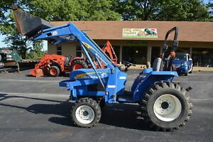 New Holland T1510 Tractor 4x4 R4 Tires 261 Hrs Frt End Loader Nice