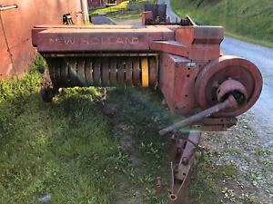 New Holland Hayliner 273 Square Hay Baler