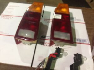 Bulb Holder only For 1987 90 Vw Volkswagen Fox Wagon Rear Tail Light L r