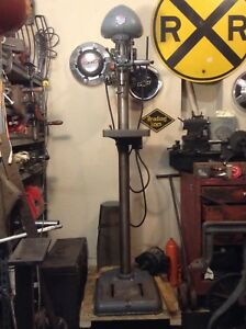 Delta Dp220 Floor Model Drill Press clean One Owner