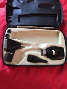 Welch Allyn Diagnostic Set 71030 25000 11600 Otoscope opthalmoscope In Case Box