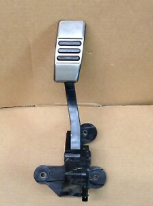 2014 Ford Mustang Rwd 3 7l Gas Pedal Oem
