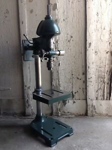 Walker Turner Bench Top Drill Press With 1 3hp 1725rpm The Driver Line