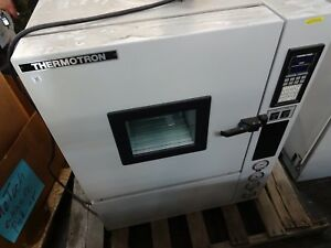 Thermotron Industrial Laboratory Oven Environmental Chamber S 1 2 S1 2