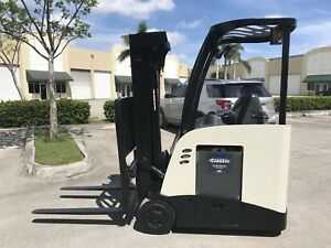2011 Crown Electric Forklift Dockstocker Narrow Aisle Stand Up Rc5500