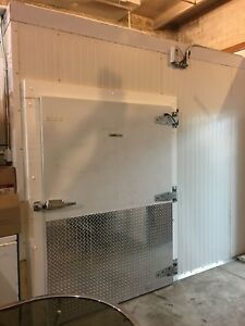 10 X 20 Cold Room With New Carrier Supra 750 Refrigeration Unit