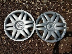 Pair Of 2 Brand New 2000 00 2001 01 Camry 15 Hubcaps Wheel Covers 61104