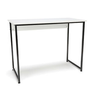 Office Furniture Essential Series Modern Style Computer Desk With Metal Leg