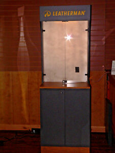 Leatherman Tools Led Lighted Display Cabinet With Storage Euc Pick Up Only