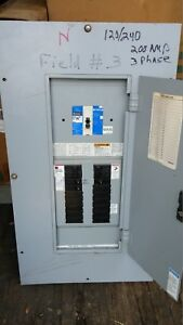 Cutler Hammer 3 Phase Circuit Panel 200a Main 18 Circuits prl1a Type 120 240v