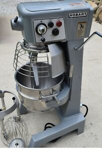 Hobart D300 30qt Mixer With Whisk paddle Dough Hook And Dolly unused